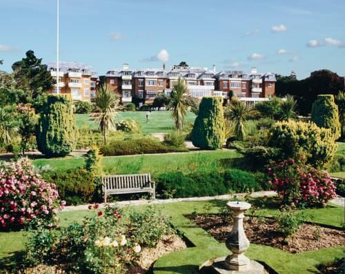 The Devon Court Resort - dream vacation