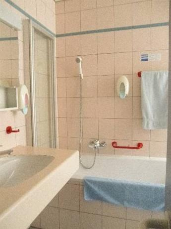 Hotel Du Port, Estavayer-le-Lac - Compare Deals
