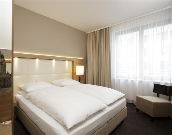 H4 Hotel Berlin Alexanderplatz - dream vacation