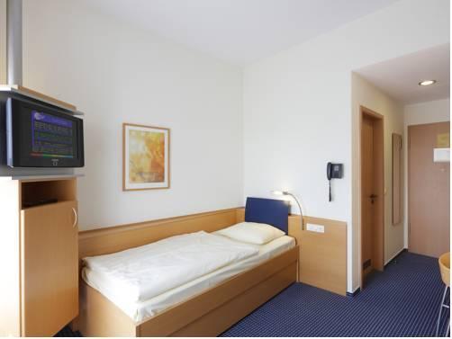 Designhotel wienecke xi hannover compare deals for Hotel design hannover