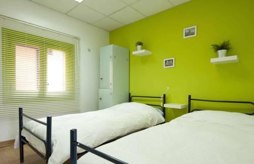 Mad Hostel Madrid Хостел Мад Мадрид