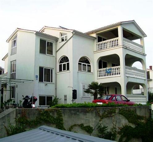 Apartments Samanic - dream vacation