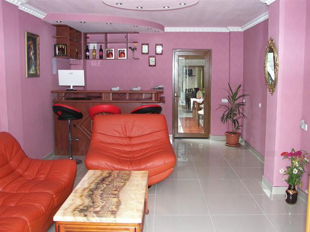MIRA hotel Goris - dream vacation