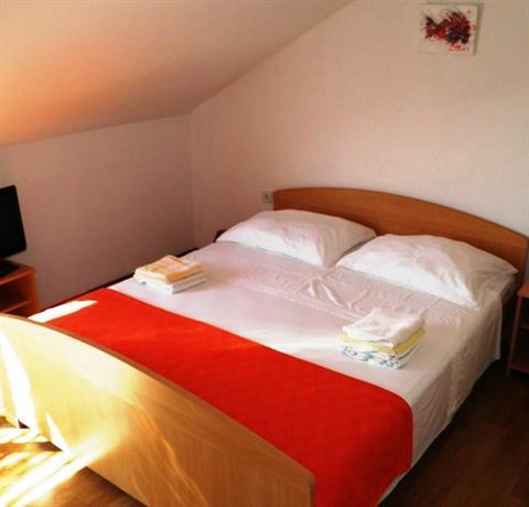 Apartments Mariani Komiza - dream vacation