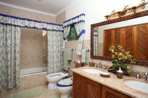 6 Br Villa With Pool - Discovery Bay - dream vacation