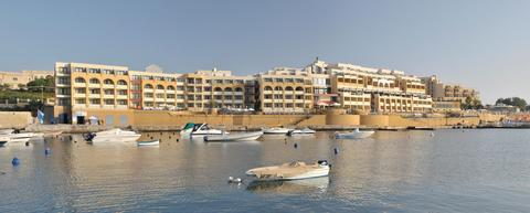 Marina Hotel Corinthia Beach Resort Pembroke - dream vacation