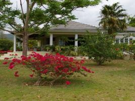 1 Br Suites With Pool - Runaway Bay - dream vacation