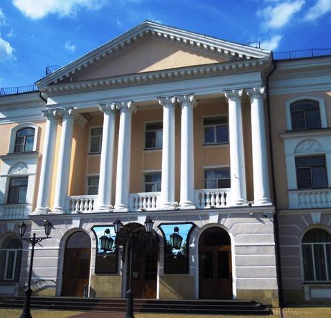 Гостиница Центральная (бывшая Чернигов)