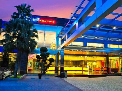 FM7 Resort Hotel - Jakarta Airport - dream vacation