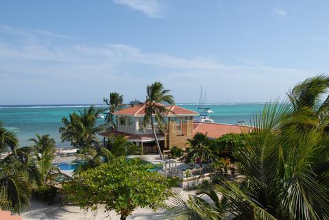 Sunbreeze Hotel San Pedro - dream vacation