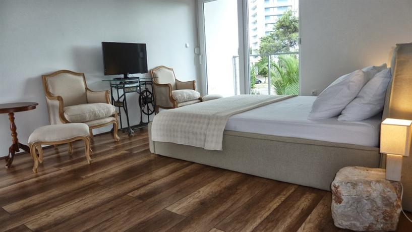 Refresh Holiday Apartments - dream vacation