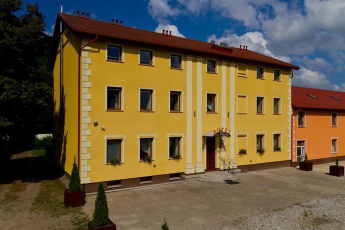 Hotel Brochow - dream vacation