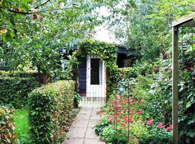 Holiday Home De Imkerij Oudloosdrecht - dream vacation