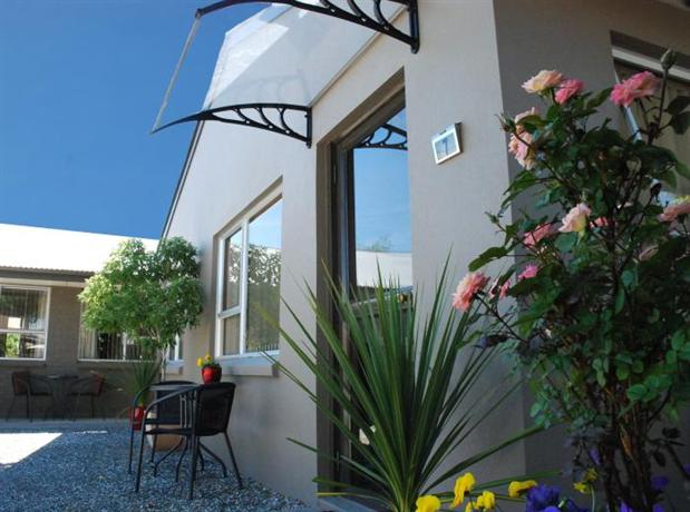 Almond Court Motel - dream vacation