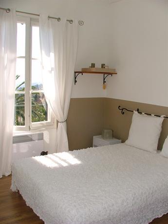 Bed and Balcony - Orange tree - dream vacation