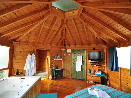 Spa in The Woods - B&B in Amirim - dream vacation