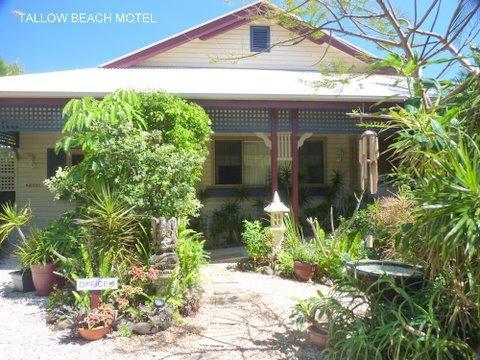 Tallow Beach Motel - dream vacation