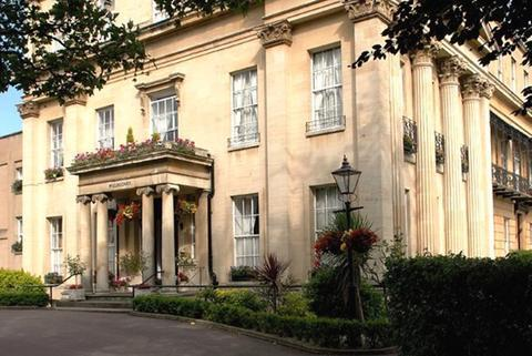 Willoughby House Hotel Cheltenham - dream vacation