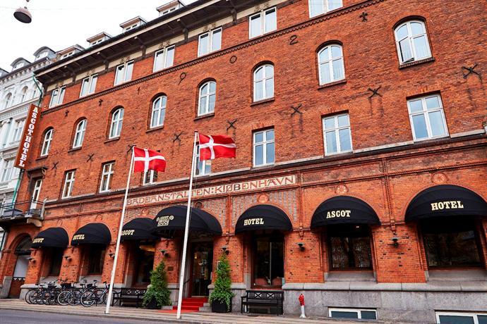 Ascot Hotel - dream vacation