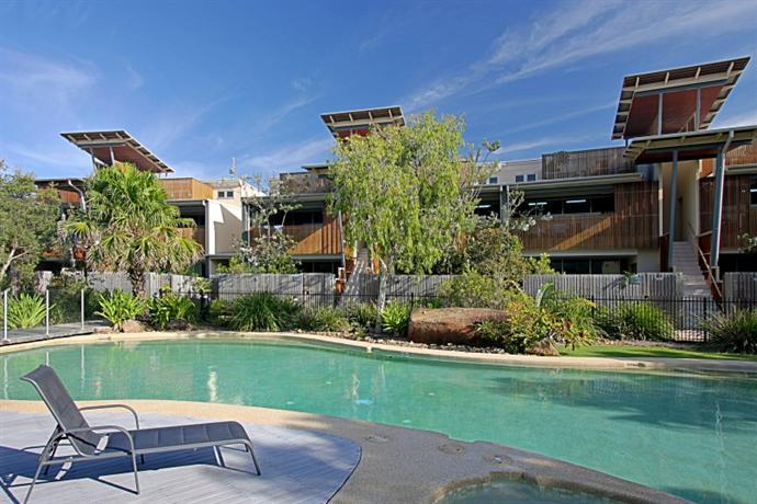 Beach Villa 17, East on Byron