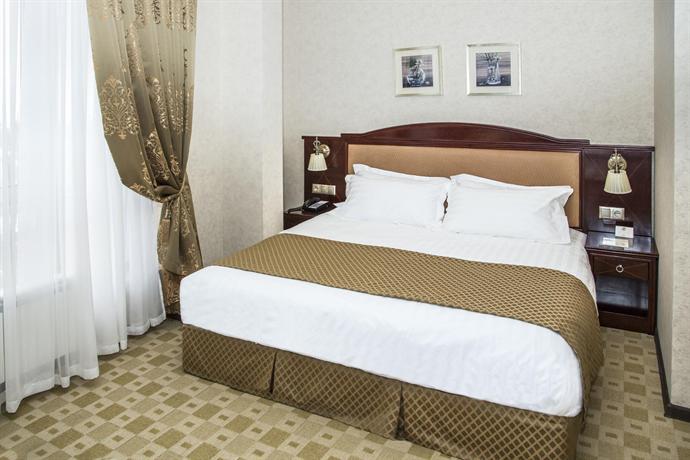 Отель Севан Плаза