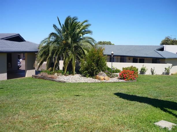 Stagecoach Inn Motel - dream vacation