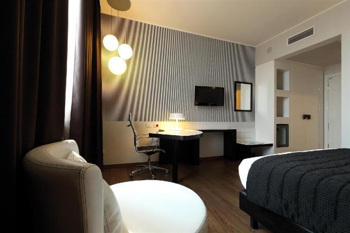 Holiday Inn Genoa City - dream vacation