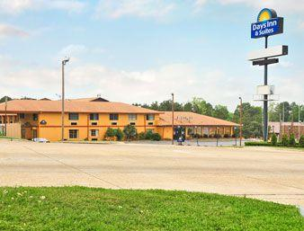 Days Inn & Suites Marshall