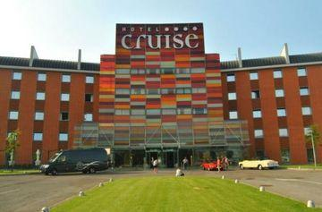 Hotel Cruise - dream vacation