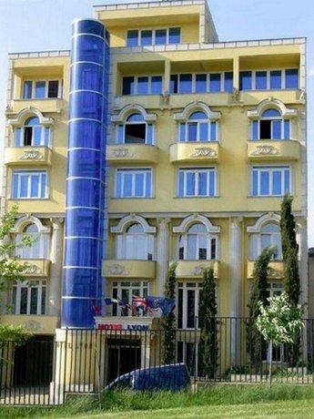 Lyon Hotel Pristina - dream vacation