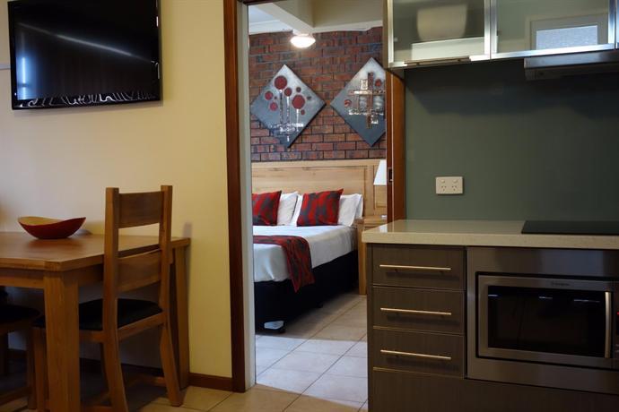 Photo: Glenelg Gateway Apartments