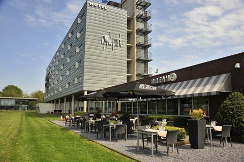 Apple Park Hotel Maastricht - dream vacation