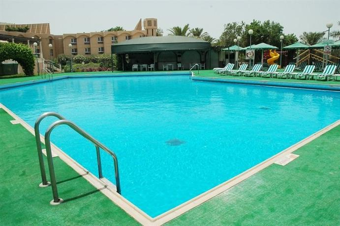 Crowne Plaza Bahrain - dream vacation