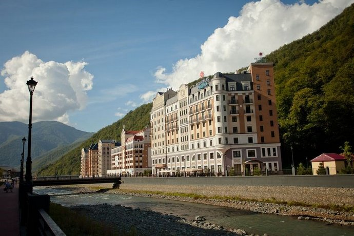 AZIMUT Hotel FREESTYLE Rosa Khutor - dream vacation