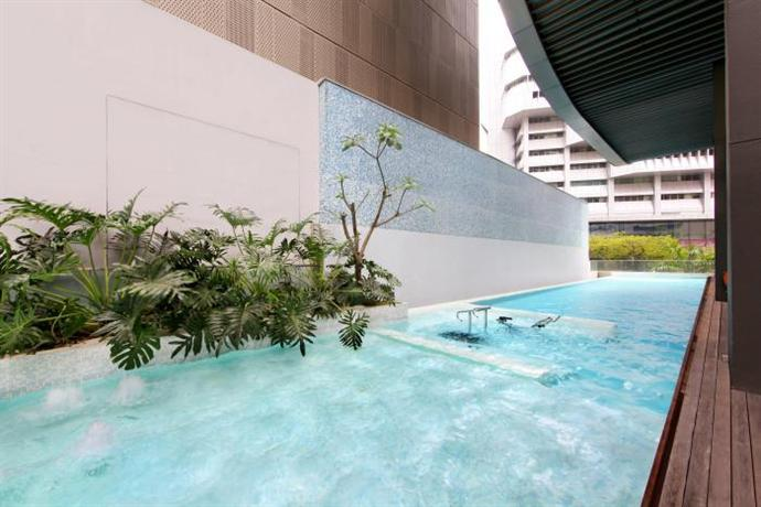 Pan pacific serviced suites orchard singapore compare deals - Pan pacific orchard swimming pool ...