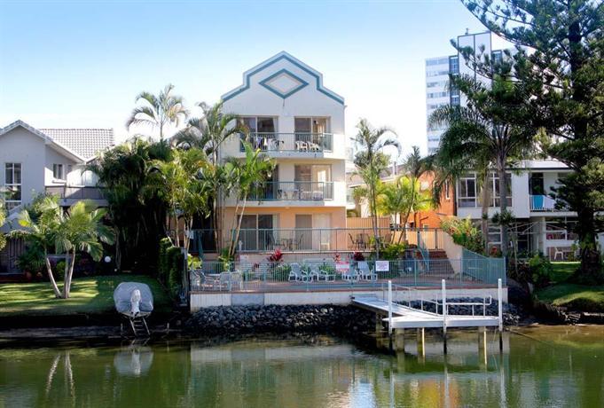 Photo: Surfers Riverside Apartments