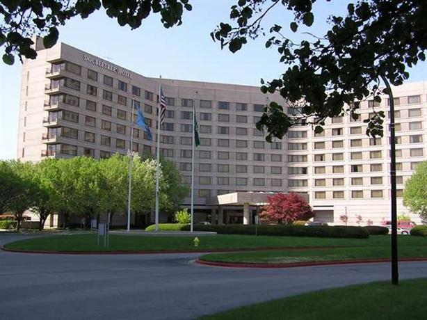 Doubletree Hotel Tulsa-Warren Place - dream vacation