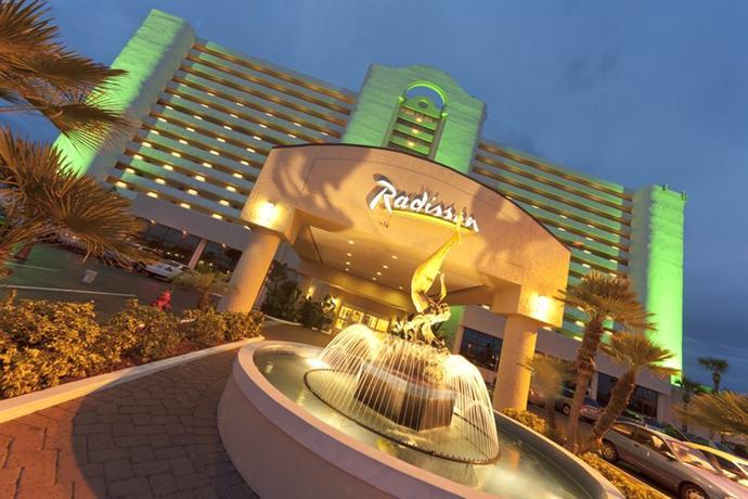 Radisson Suite Hotel Oceanfront - dream vacation