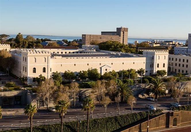 Protea Hotel by Marriott Cape Town Waterfront Breakwater Lodge - dream vacation