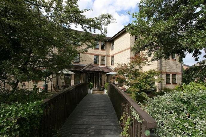Riverside House Hotel Cirencester - dream vacation