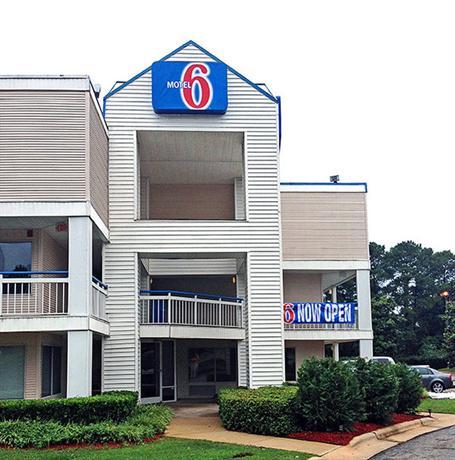 Motel 6 Raleigh North