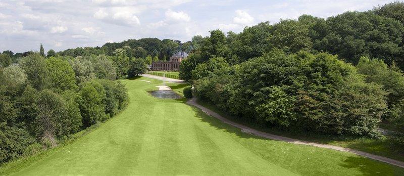 villa am ruhrufer golf spa mulheim an der ruhr compare deals. Black Bedroom Furniture Sets. Home Design Ideas