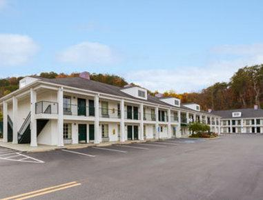 Baymont Inn & Suites Cleveland - dream vacation