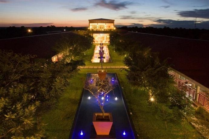 The Courtyard Hotel Victoria Falls - dream vacation