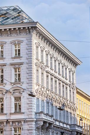 Motel One Wien Staatsoper - dream vacation