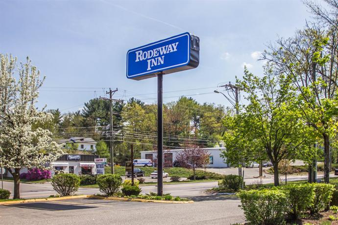 Rodeway Inn and Suites Torrnington