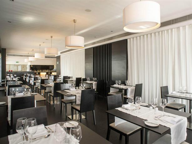 Lutecia smart design hotel lisbon compare deals for Design hotel lisbona