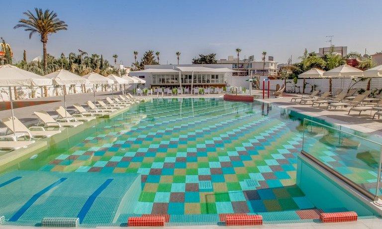 Nicholas Color Hotel - dream vacation