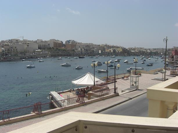 2 Bedroom Seafront Apartment - dream vacation