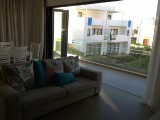 Azuri Beachfront Apartment 8 - dream vacation